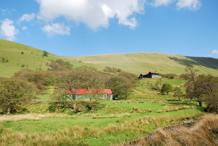 Scenic cottages in Lake District