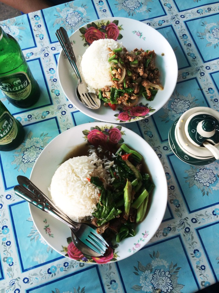 thai food rice and meat thailand