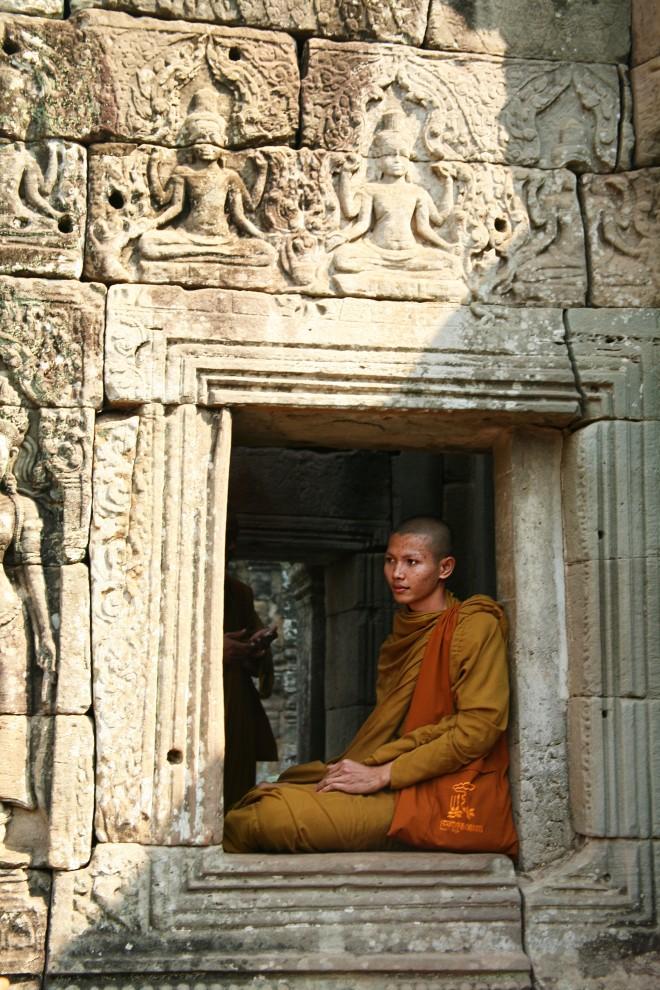 monk at Bayon temple
